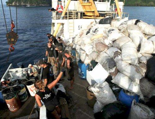Se retiran residuos y desechos acumulados por varios años en la Isla del Coco