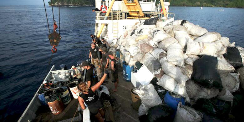 Faico lleva a cabo limpieza de residuos acumulados en la Isla del Coco, Costa Rica