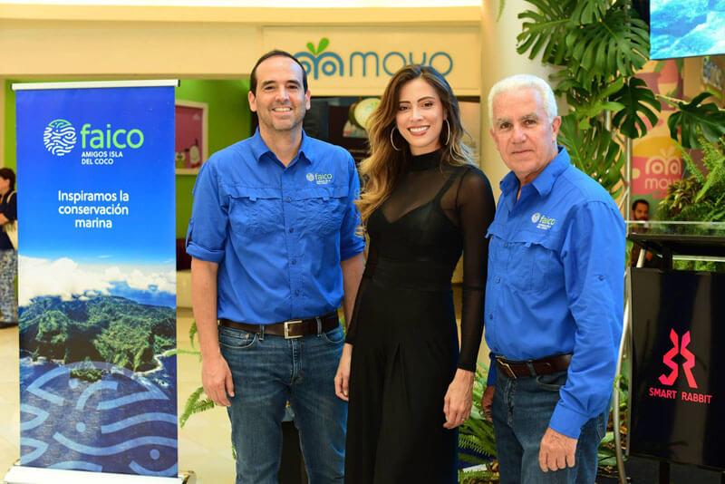 Esteban Brenes y Carlos Manuel Uribe Directores de la Junta de Administración Faico y Natalia Carvajal, Miss CR 2018 y Embajadora de Faico.