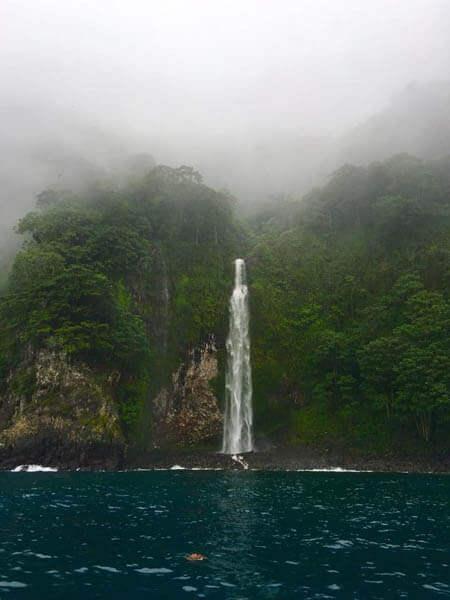 Catarata Isla del Coco
